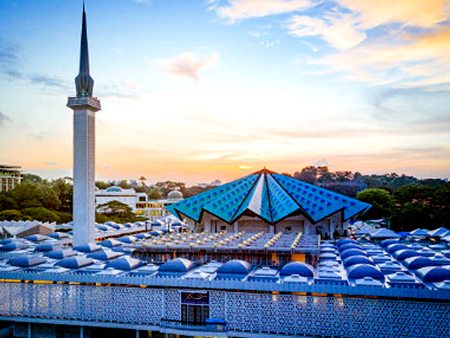 Kuala Lumpur Travel - Masjid Negara